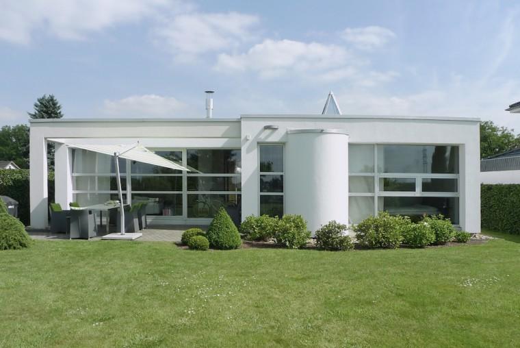 Einfamilienhaus als bungalow potschernik architekten - Architekten bungalow ...